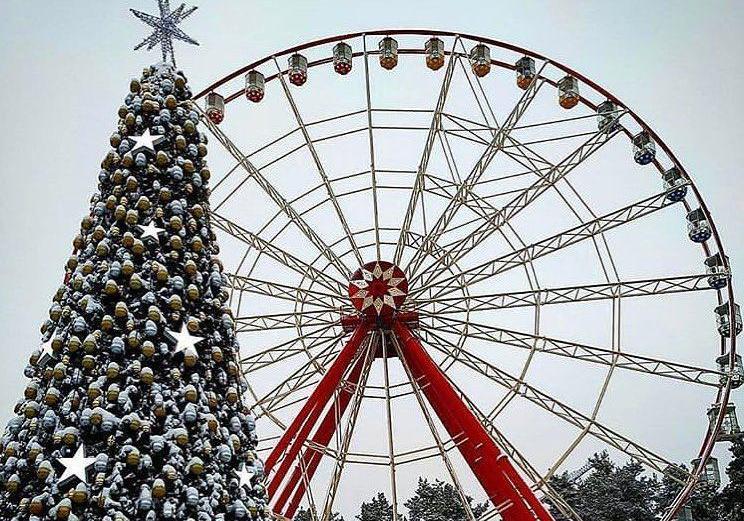 Аттракционы в парке Горького будут работать всю новогоднюю ночь