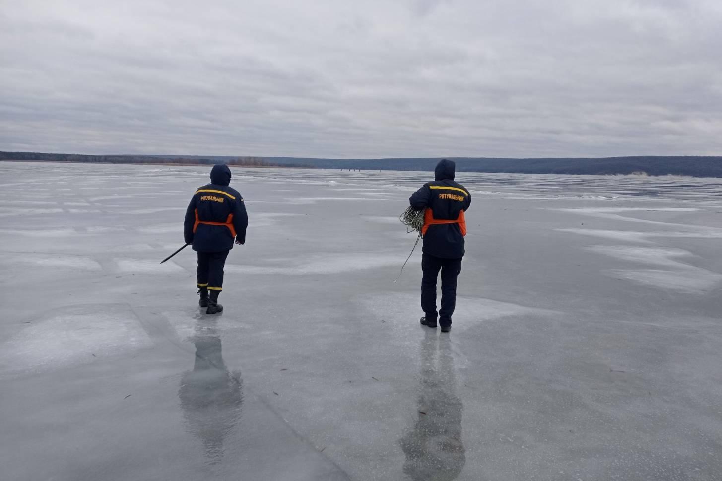 Рыбака, пропавшего на Печенежском водохранилище, не нашли