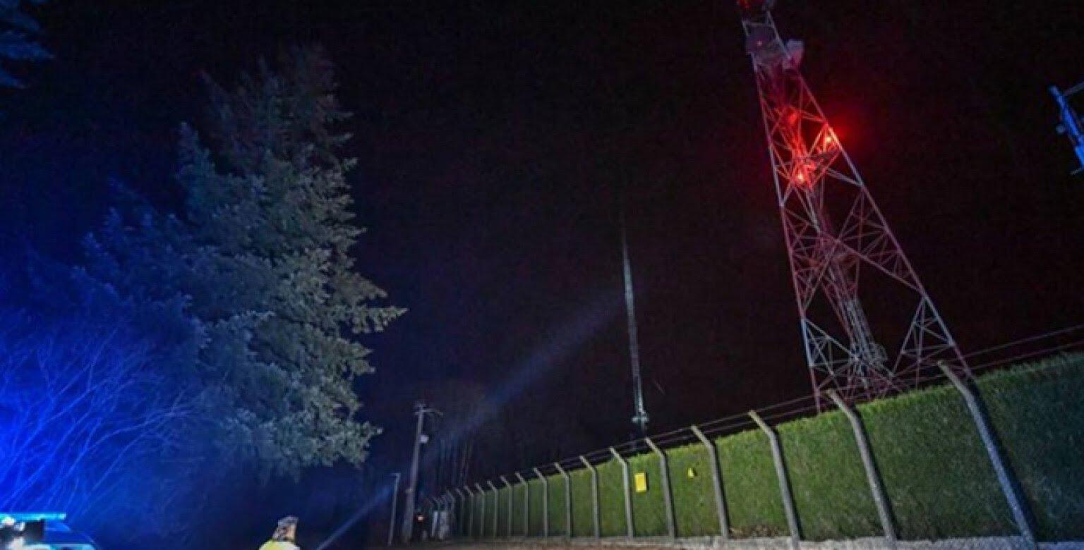 Во Франции борцы с 5G подожгли вышку:  1,5 млн человек остались без связи
