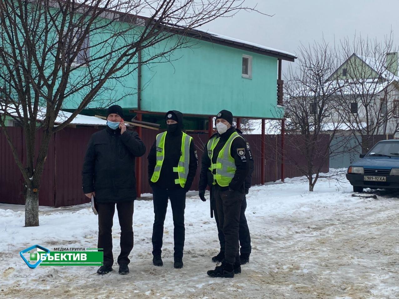 Полиция перекрыла дороги в районе места пожара в доме престарелых. Ждут Зеленского (фото)