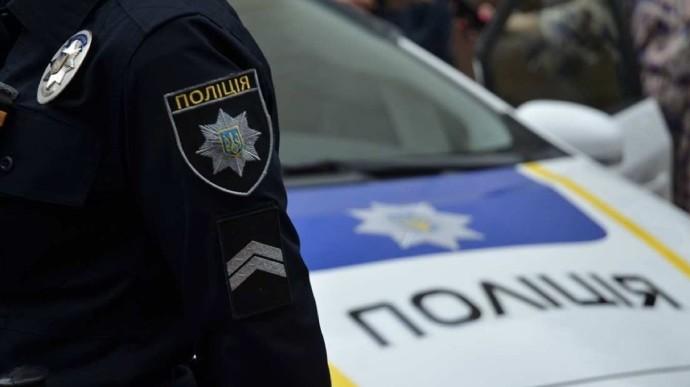 Повредил и обокрал авто: полицейские задержали подозреваемого (фото)