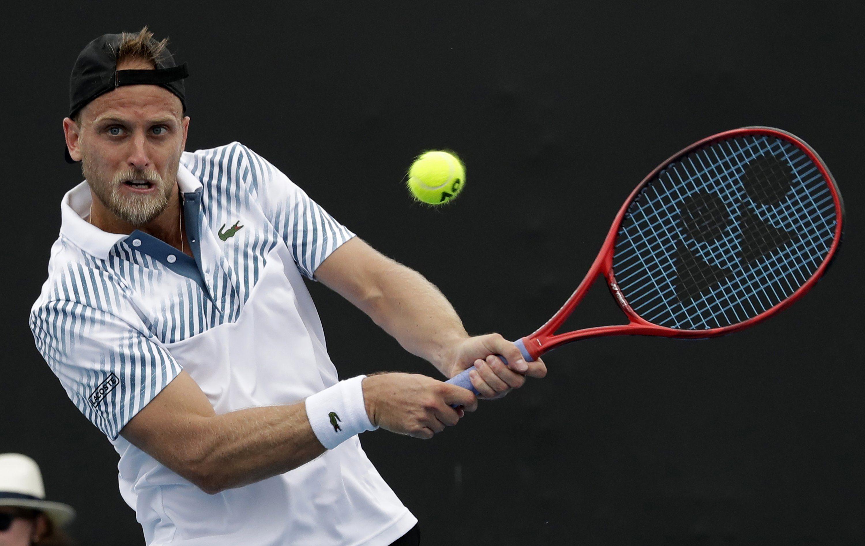 Теннисист во время матча узнал, что у него коронавирус