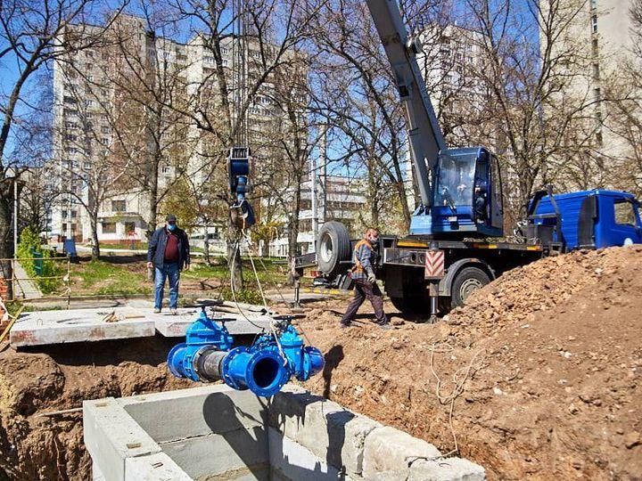 Прекращается водоснабжение части района Харькова