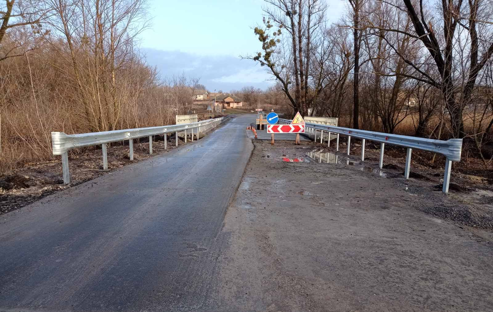В Харьковской области заканчивают реконструкцию моста, который не ремонтировали 60 лет