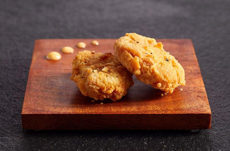 Китайцы будут делать куриное мясо из орехового белка