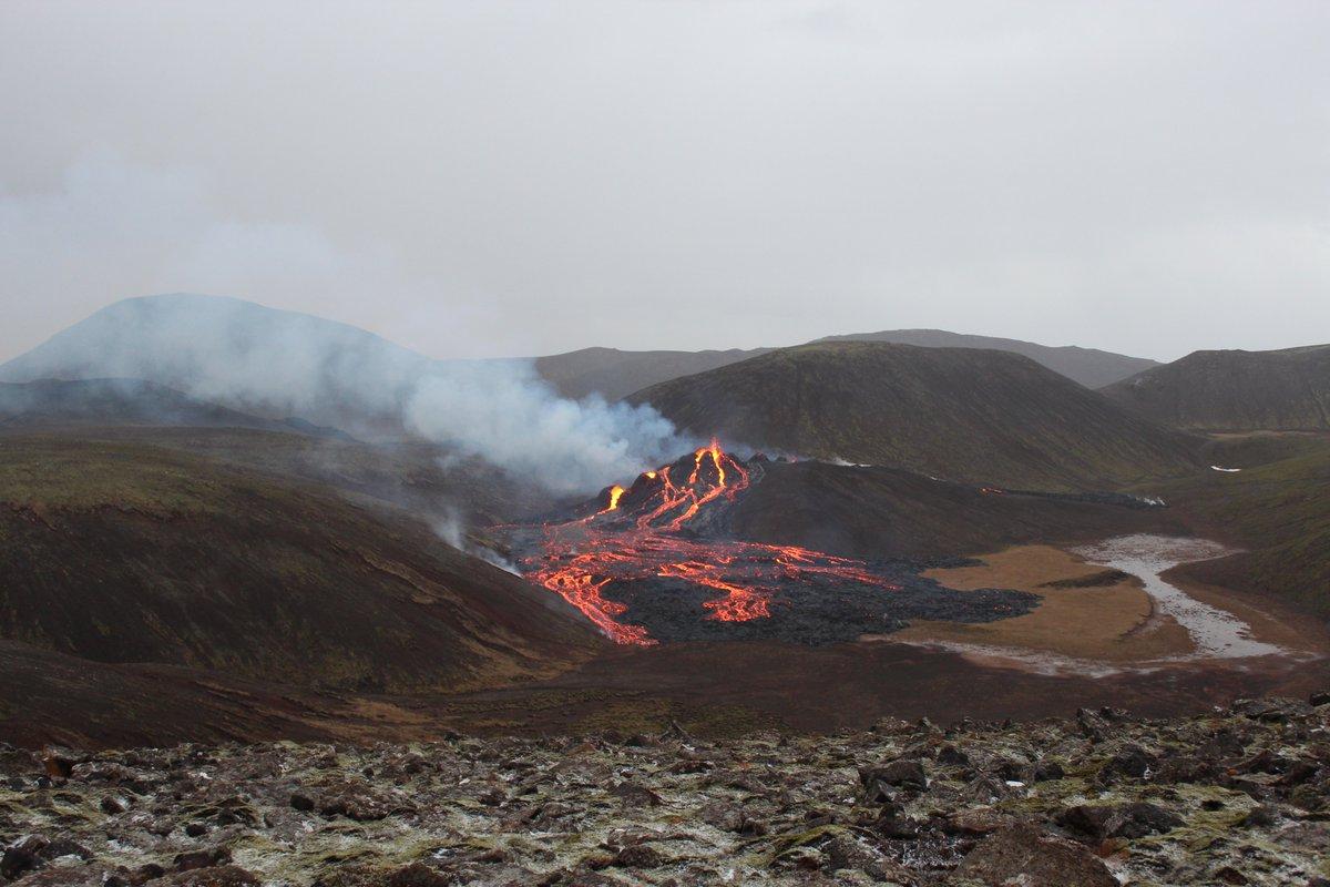 Землетрясение в Исландии пробудило давно потухший вулкан (видео, фото)
