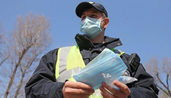 В Украине будут штрафовать за отсутствие маски на улице