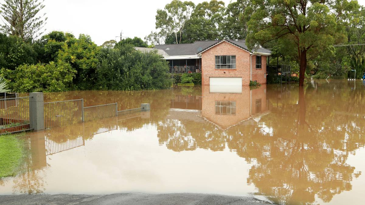 Рекордное наводнение в Австралии: такого не было 50 лет (фото, видео)