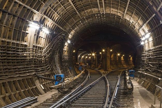 """Строительство метро до """"Одесской"""" завершат к 2025 году"""