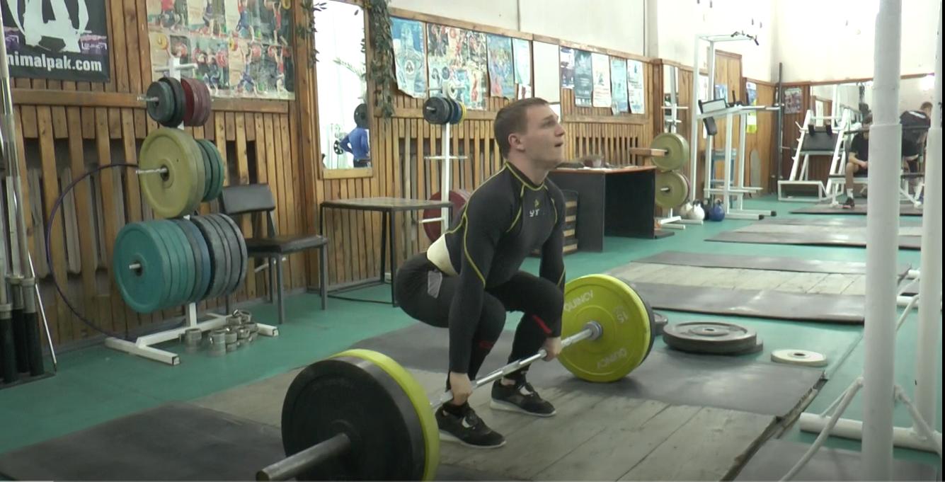 Політики допомогли харківському важкоатлету поїхати на чемпіонат Європи (відео)