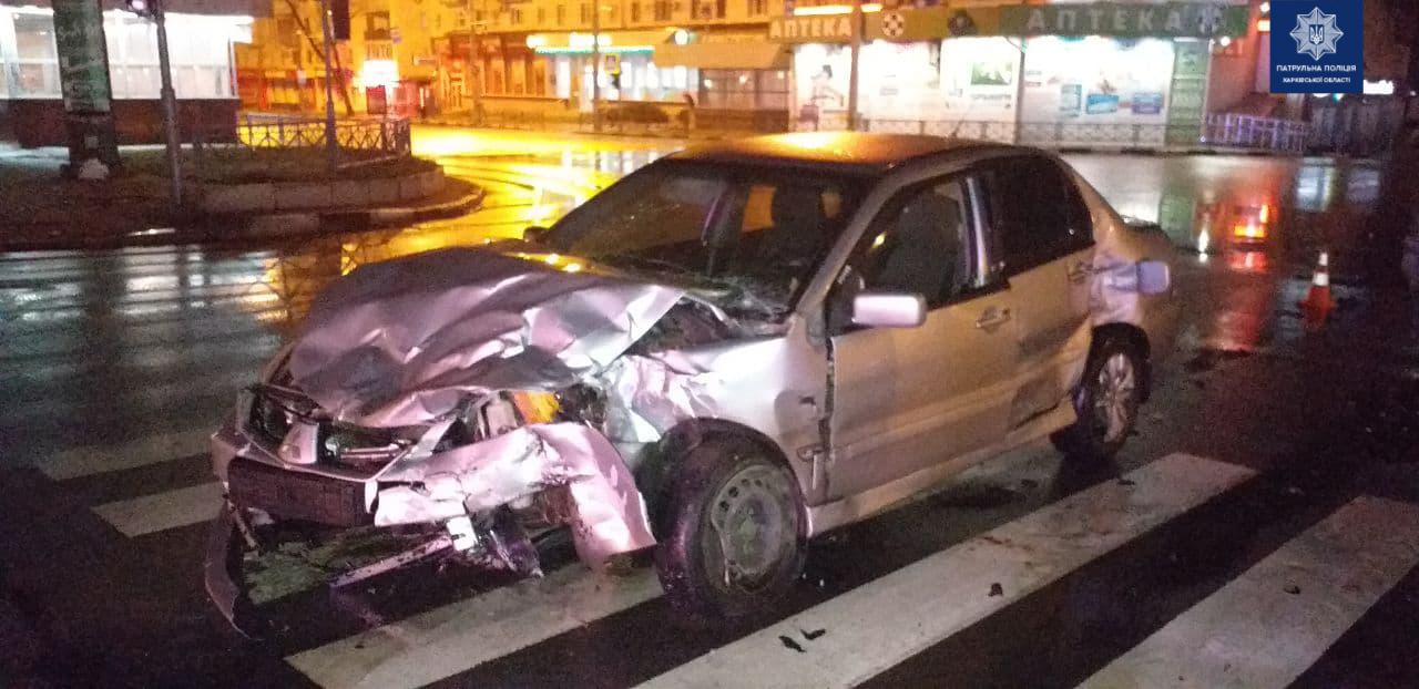 На Павловом Поле в ДТП пострадали водители иномарок (фото)