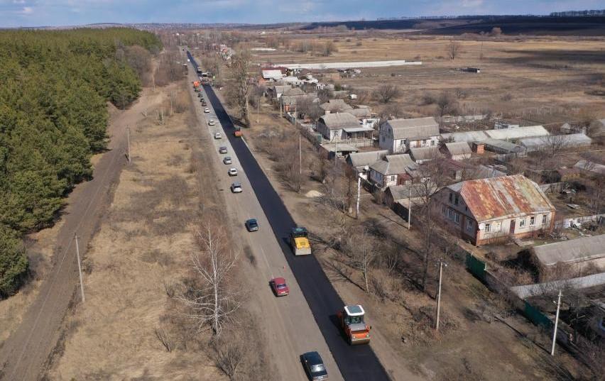 На дороге Харьков – Липцы – Борисовка восстанавливают участок в 5,8 км