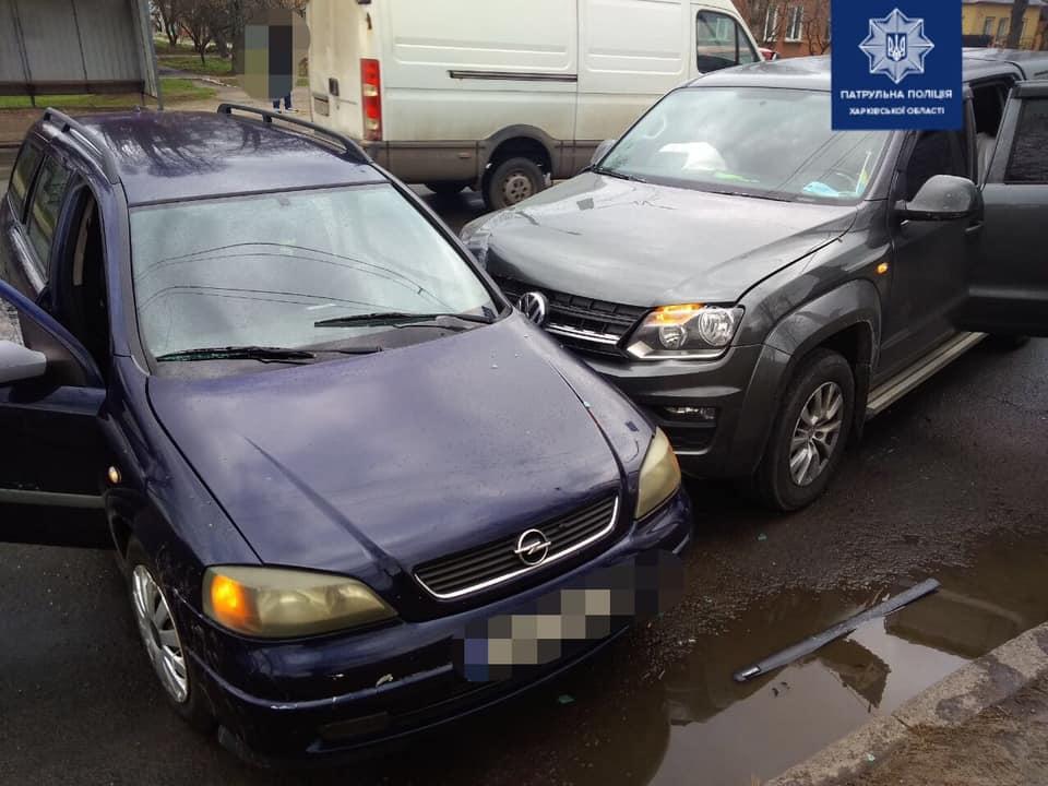 В Харькове в ДТП пострадал водитель (фото)