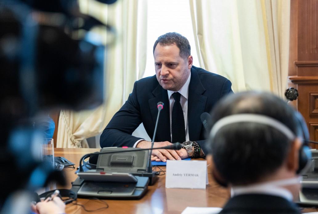 Украина готова обменять пять человек перед Пасхой, Россия молчит – Ермак
