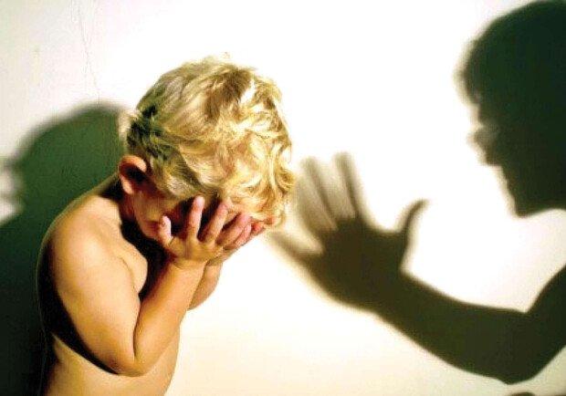 26-летнюю харьковчанку привлекли к ответственности за избиение двухлетнего сына