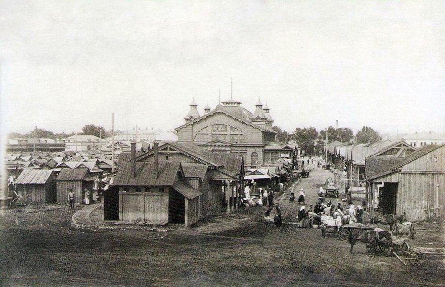 Деревянная хлебная галерея Благовещенский базар, сгорела в 1908 году