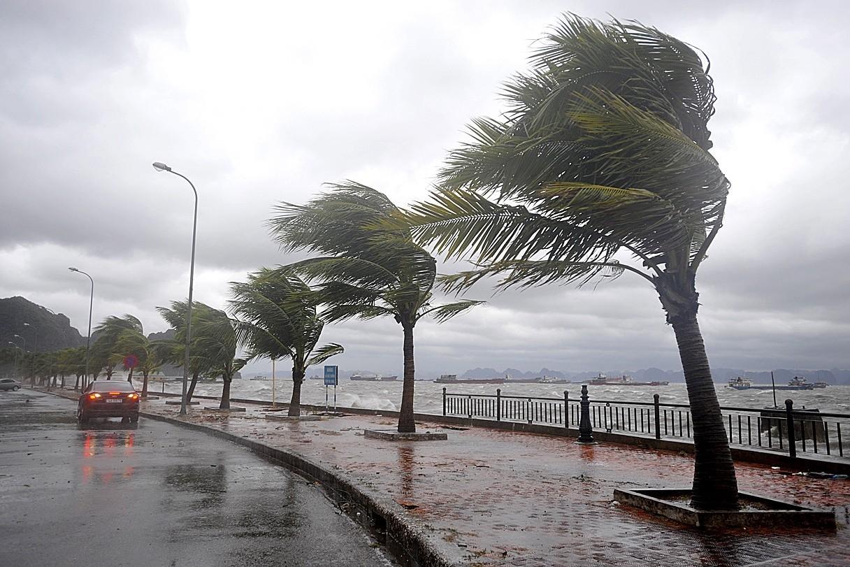 На Филиппинах бушует тайфун: эвакуировали 60 тысяч человек