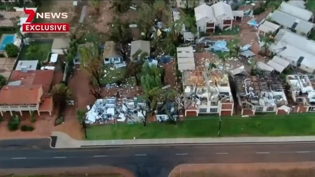 """В Австралии блэкаут из-за циклона """"Сероя"""" — разрушены дома, есть пострадавшие (фото, видео)"""