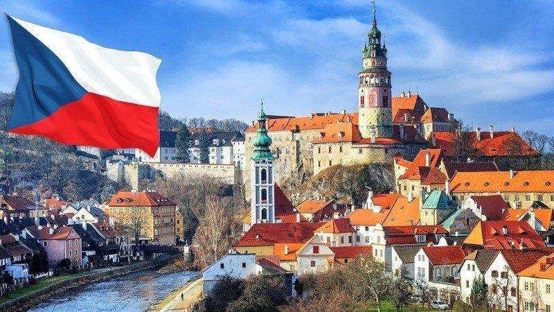 Около 70 российских дипломатов будут высланы из Чехии в кратчайшие сроки