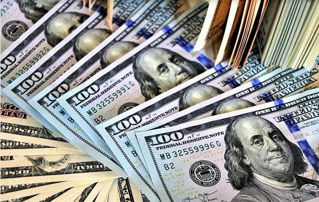 Должникам по валютным кредитам упростили их погашение