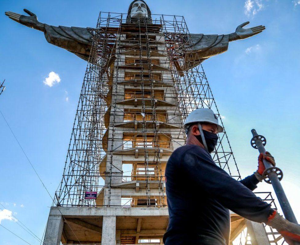 В Бразилии строят статую Иисуса, которая будет выше знаменитого памятника в Рио