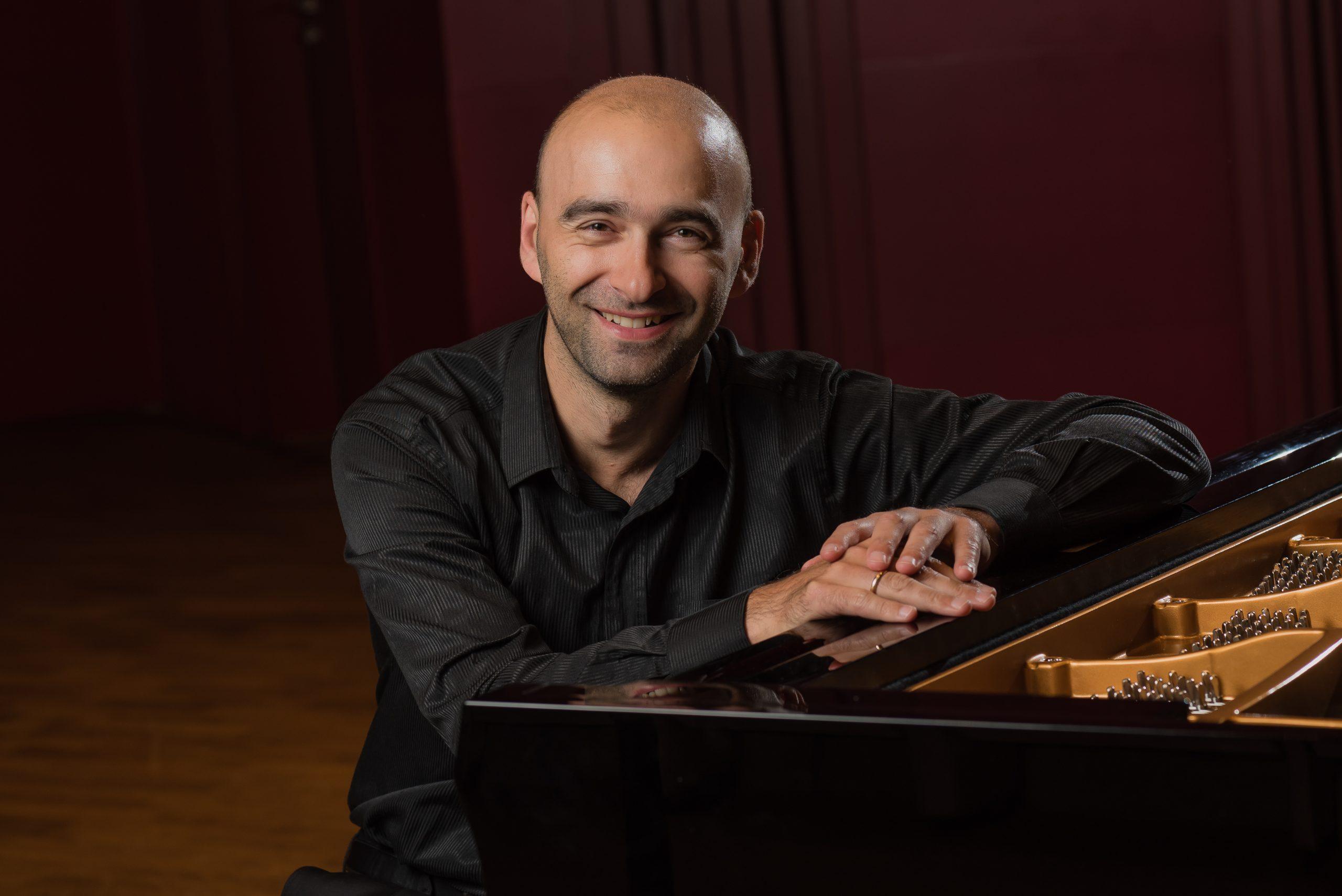 Харьковчан приглашают на онлайн-концерт польского пианиста