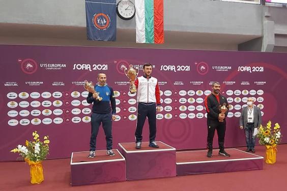 Харьковчанин успешно выступил на чемпионате Европы по борьбе
