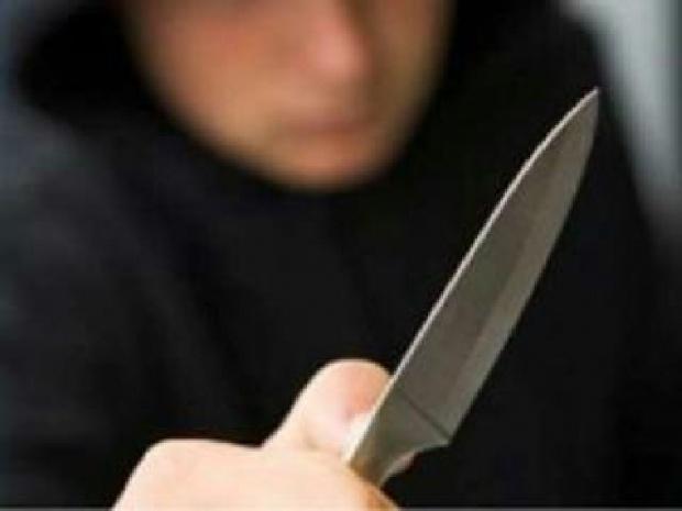 В Харькове устанавливают личность человека, ограбившего ломбард (приметы)