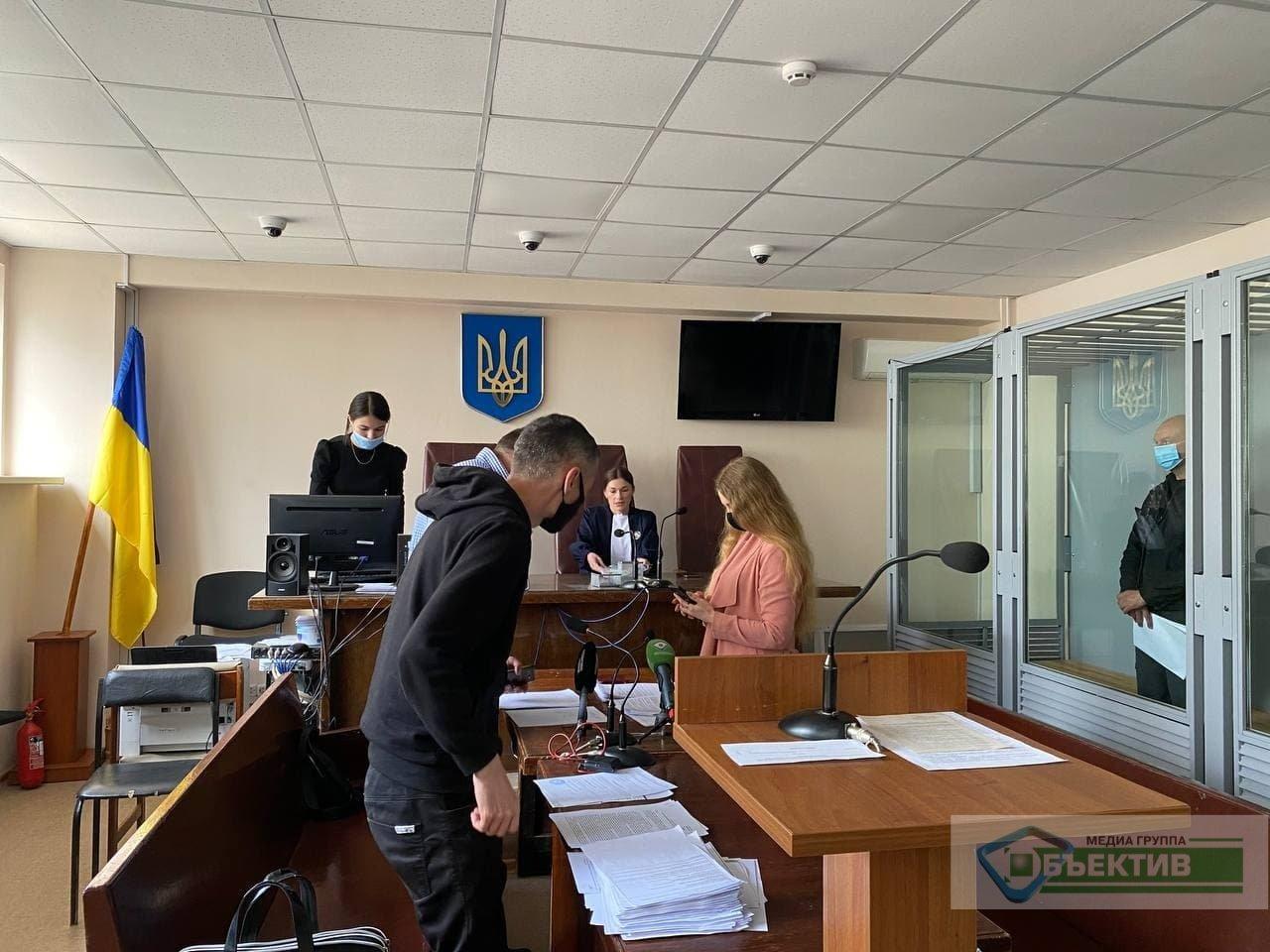 В Харькове решают, оставить ли за решеткой бандитов, пытавших женщину утюгом (фото, видео)