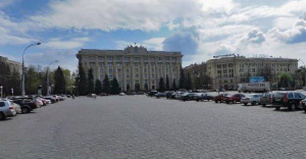 В центре площади Свободы появятся клумбы