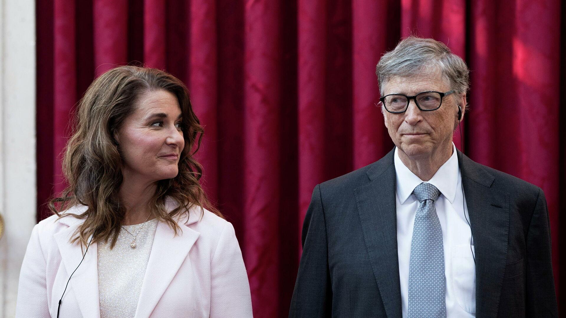 """Билл Гейтс и его супруга Мелинда заявили о том, что """"их брак необратимо разрушен"""""""
