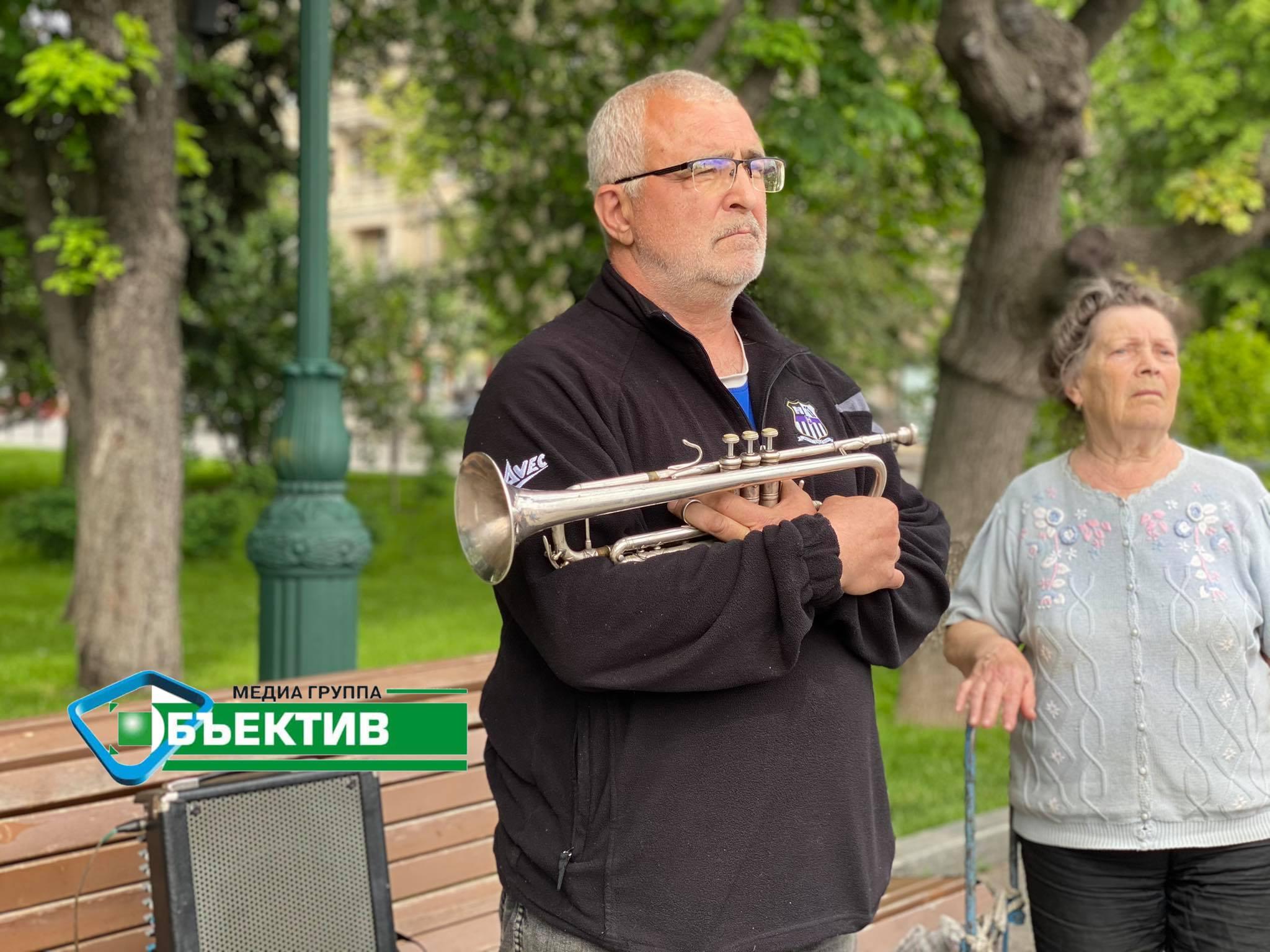 Харьковские музыканты протестуют против запрета играть в саду Шевченко (фото, видео)