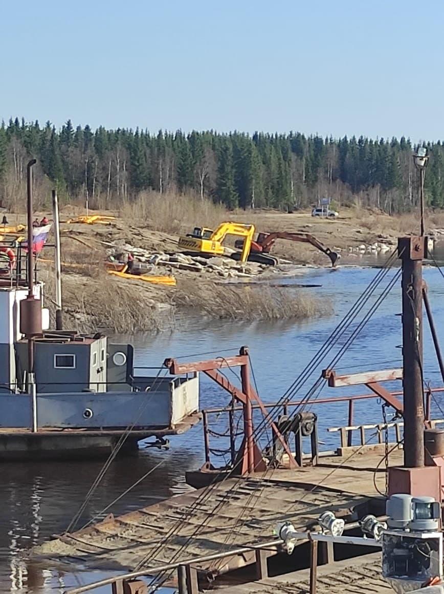 В России около 90 тонн нефти по рекам республики Коми стекают в Баренцево море (фото, видео)