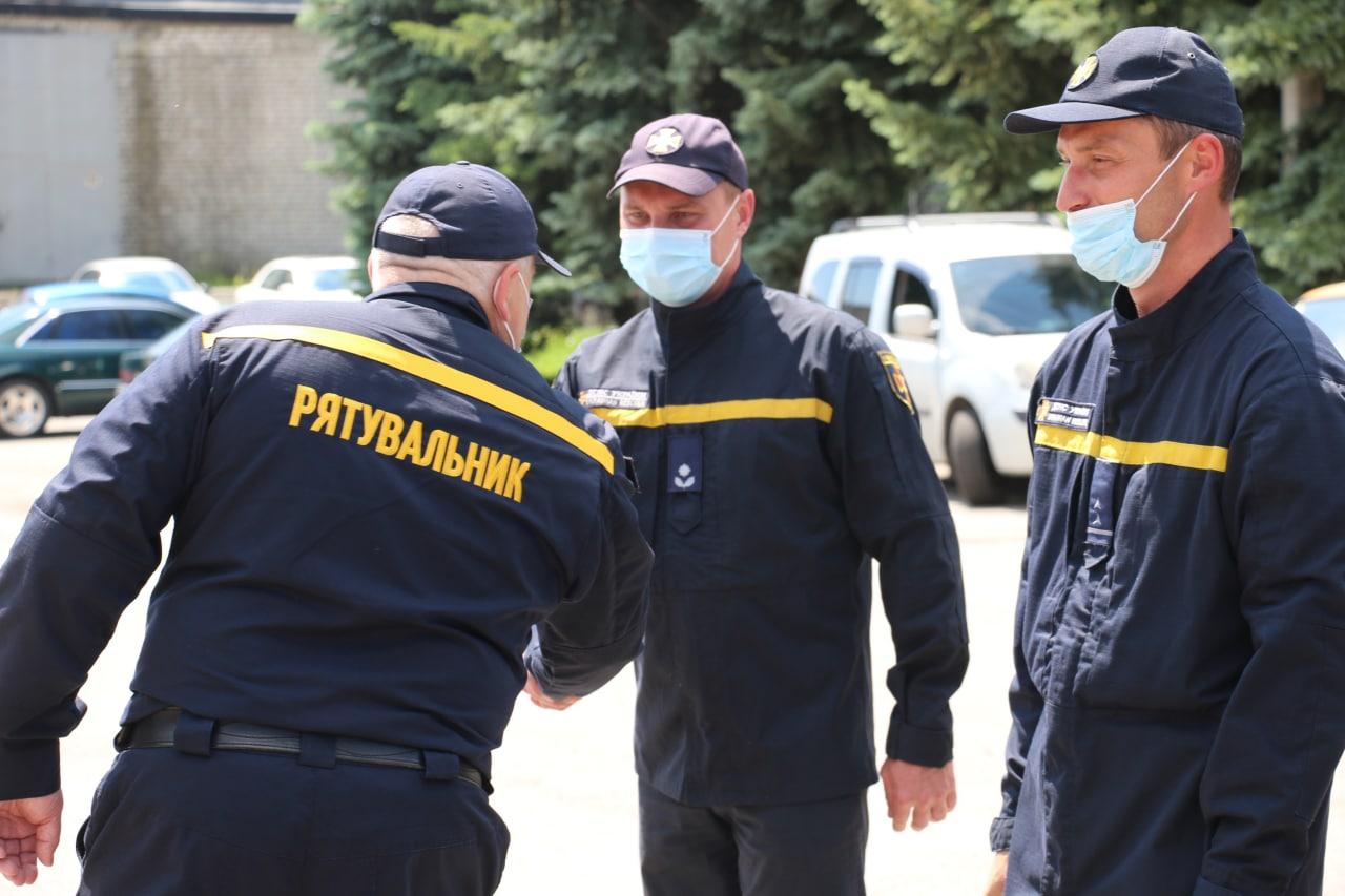 70 діб відновлювали домівки: до Харкова повернулися рятувальники з Донбасу (відео)