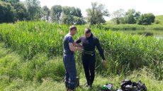 Спасатели вытащили из водоема на Харьковщине утопленника (фото)