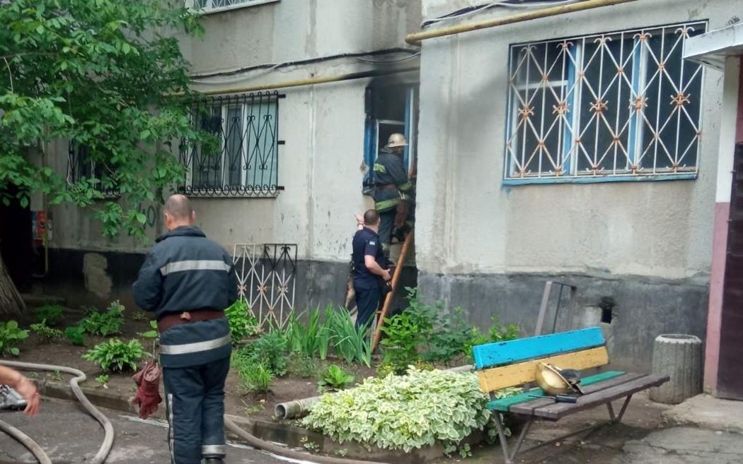 На Харьковщине из-за холодильника едва не сгорела квартира