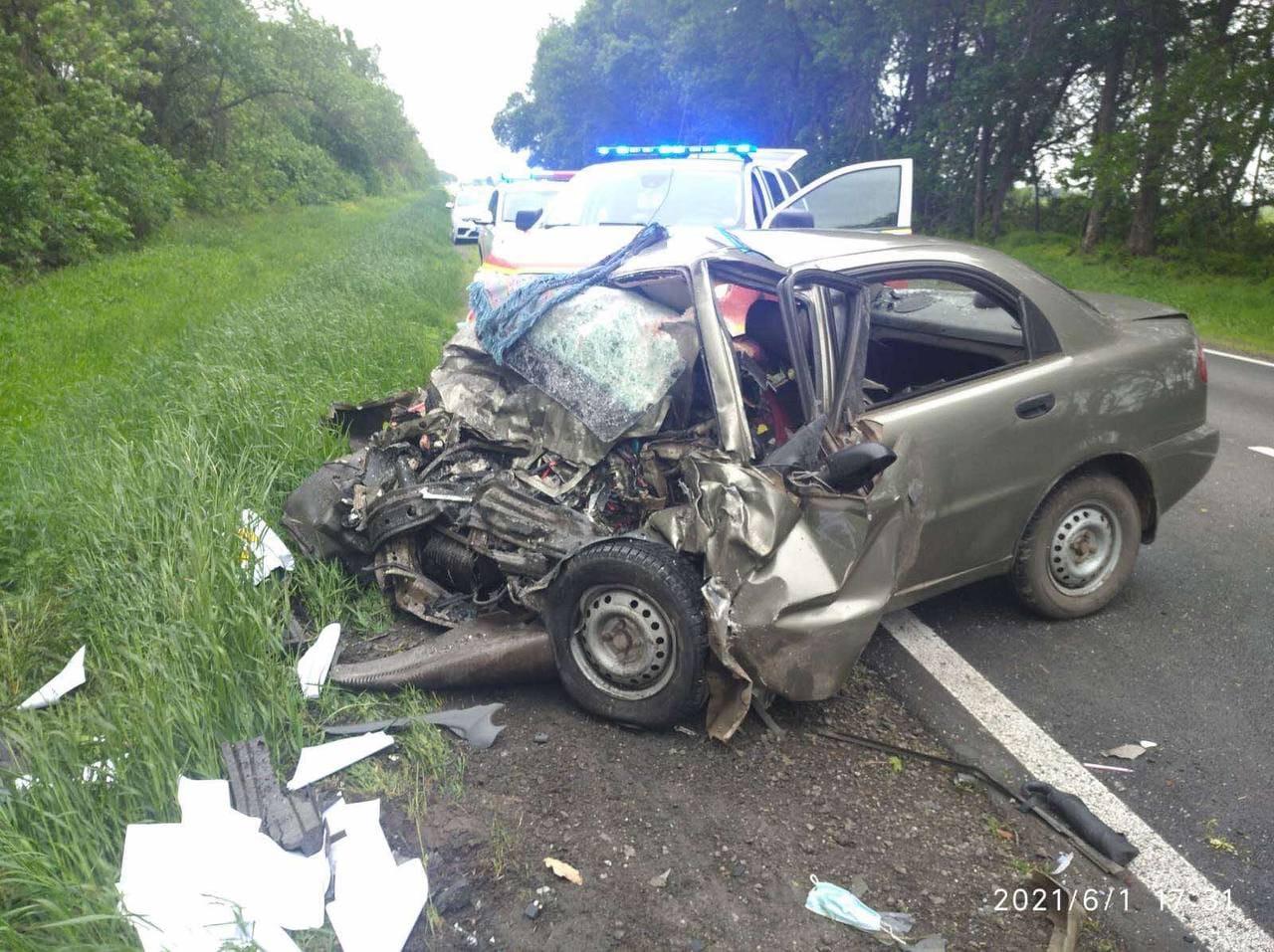 В ДТП на Харьковщине погибли 3 человека (фото)