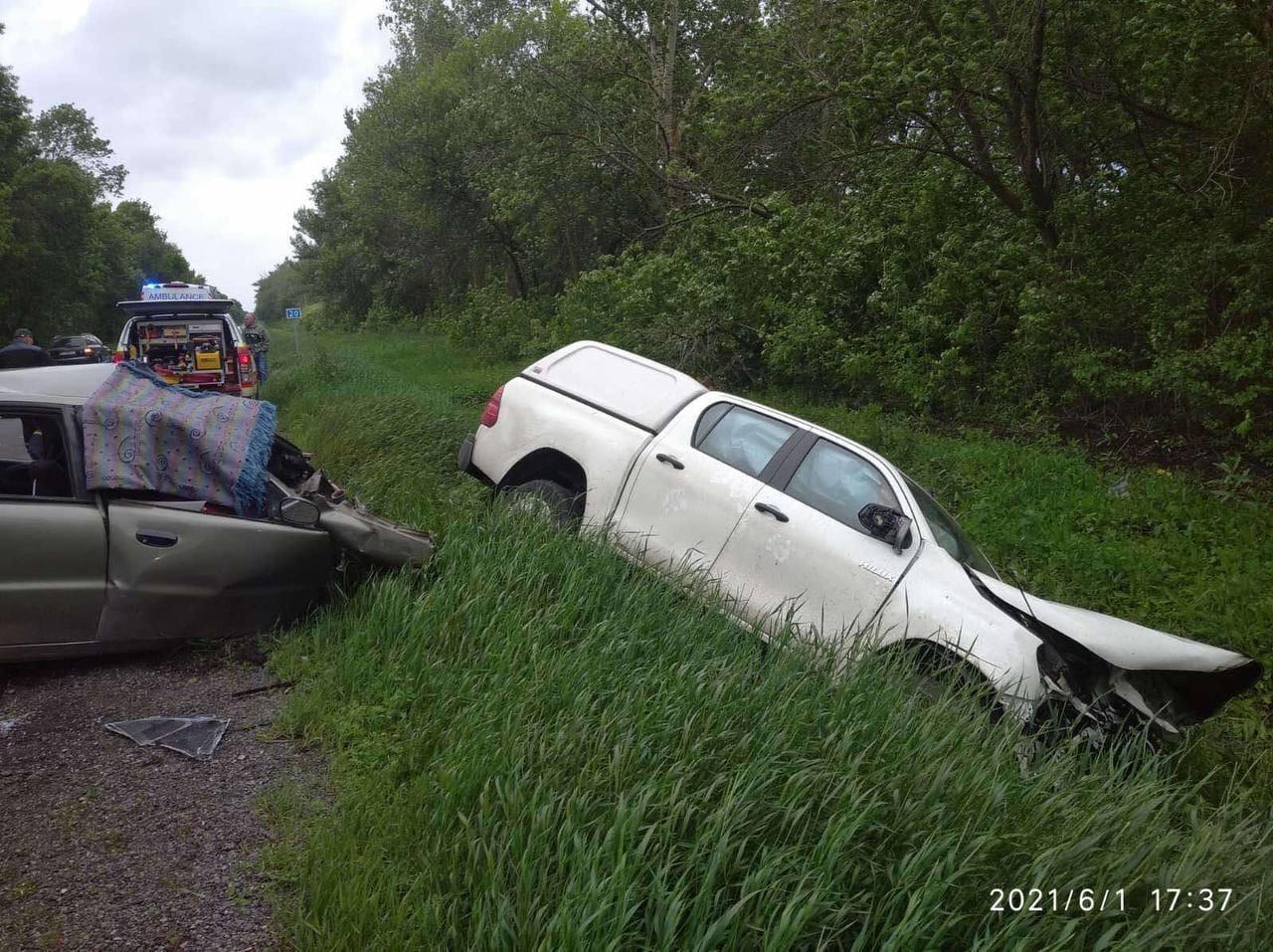 На Харьковщине произошло лобовое столкновение двух авто
