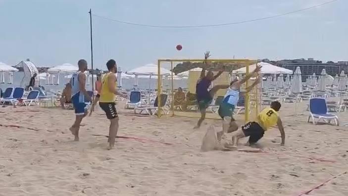 В финале харьковчане-гандболисты сразились со спортсменами из Болгарии