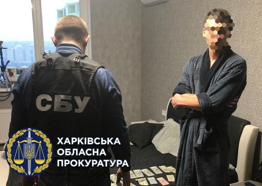 В Харькове разоблачили незаконное Харьковчанин незаконно хранилище табачных изделий на общую сумму 2 млн грн - фото 3