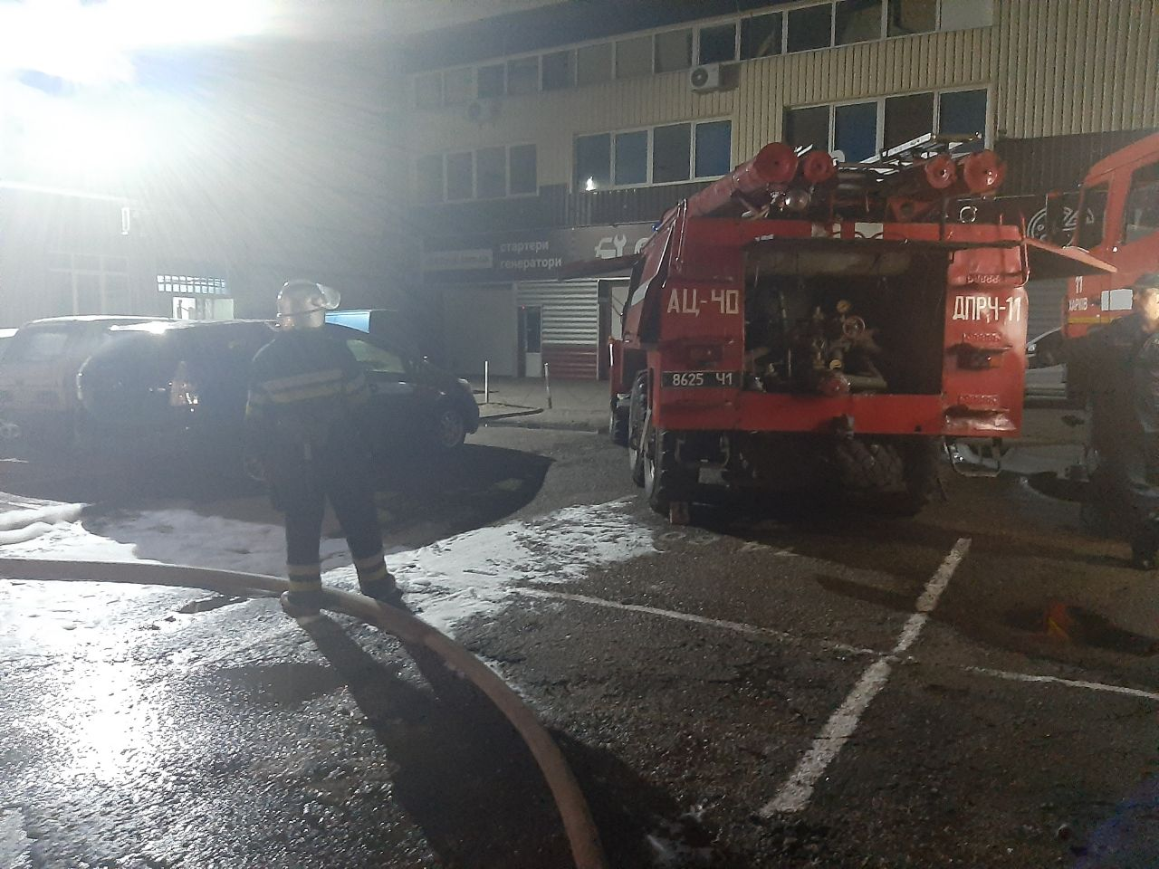 В Харькове произошел пожар на предприятии (фото)