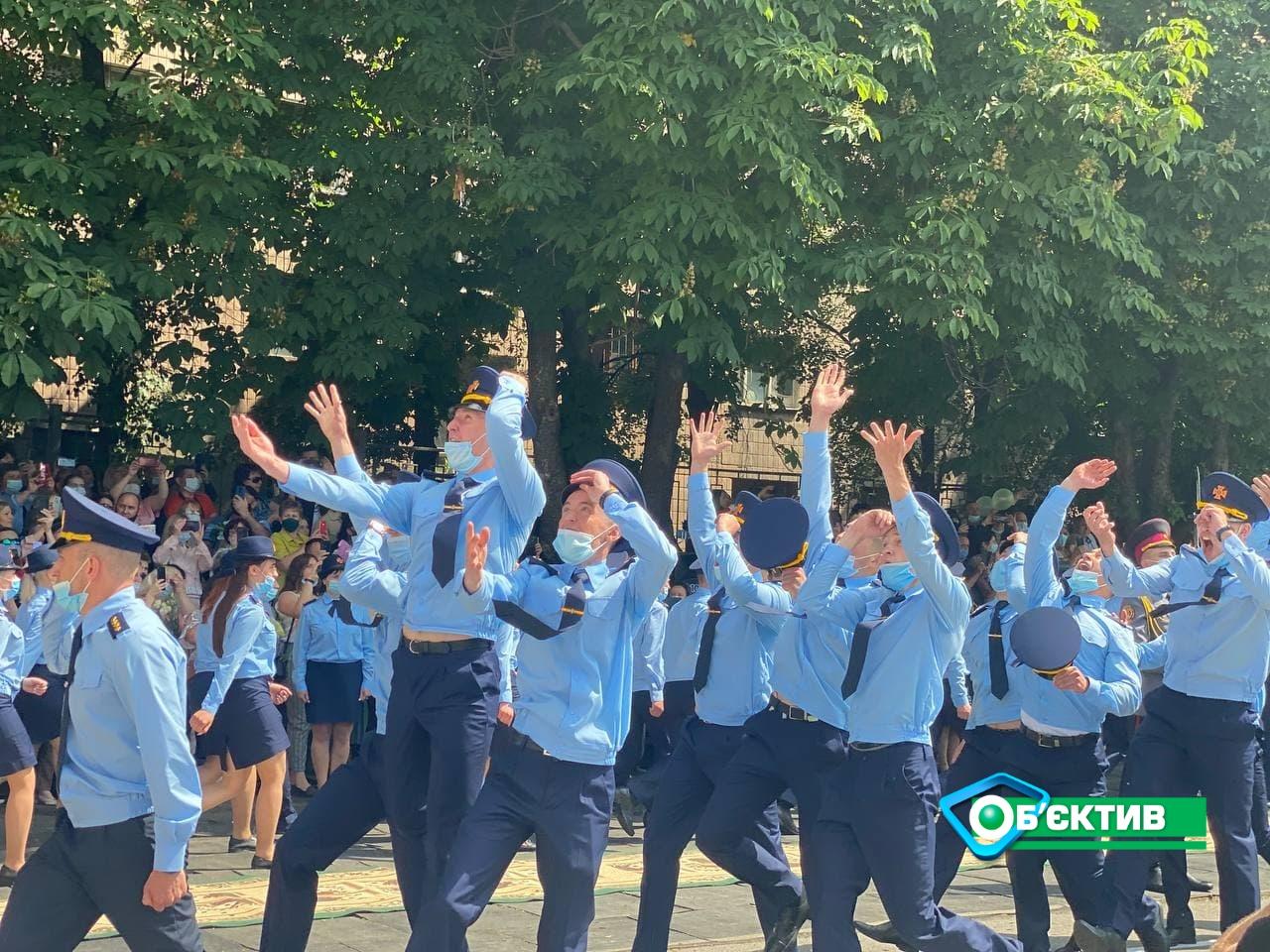 В Харькове прошел курсантов университета гражданской защиты