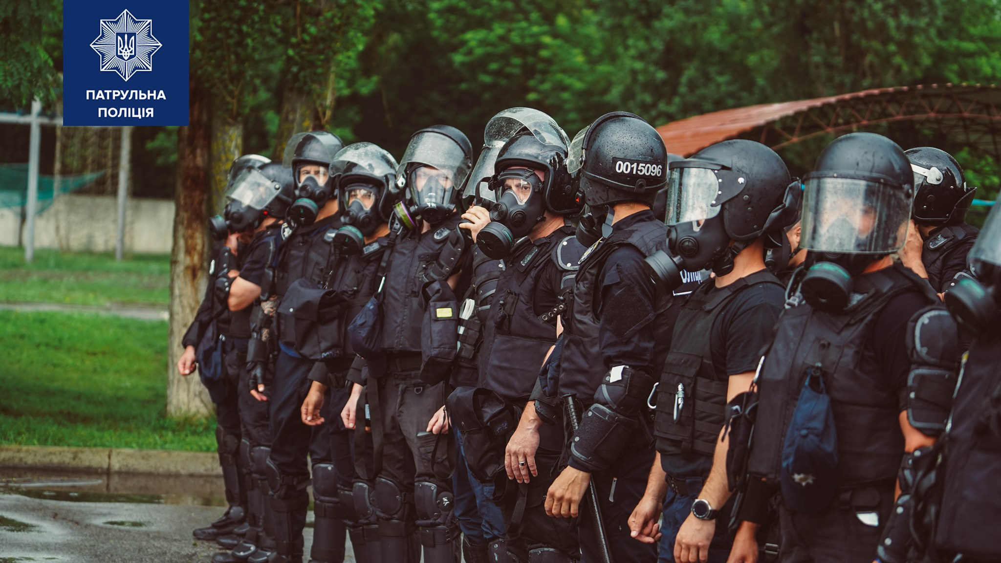 В Харькове проходят полицейские учения по противодействию массовым беспорядкам (фоторепортаж)