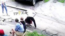 У Харкові підліток жорстоко побив дівчину: що кажуть однолітки та бабуся кривдника (відео)