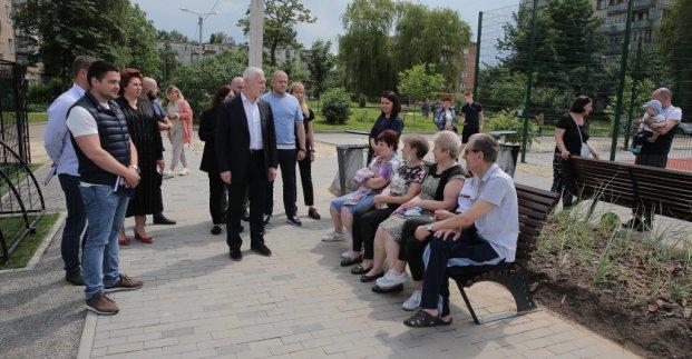 В Харькове после реконструкции открыли две зоны отдыха