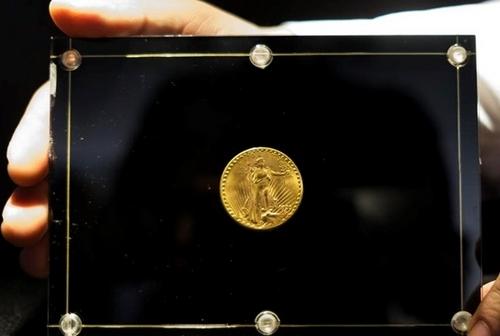 """Монету из золота """"Двойной орел"""" продали на аукционе за 19,5 млн долларов"""