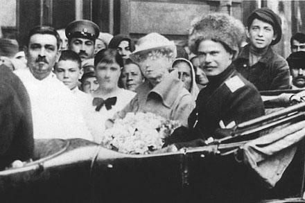 Генерал Андрей Шкуро в автомобиле
