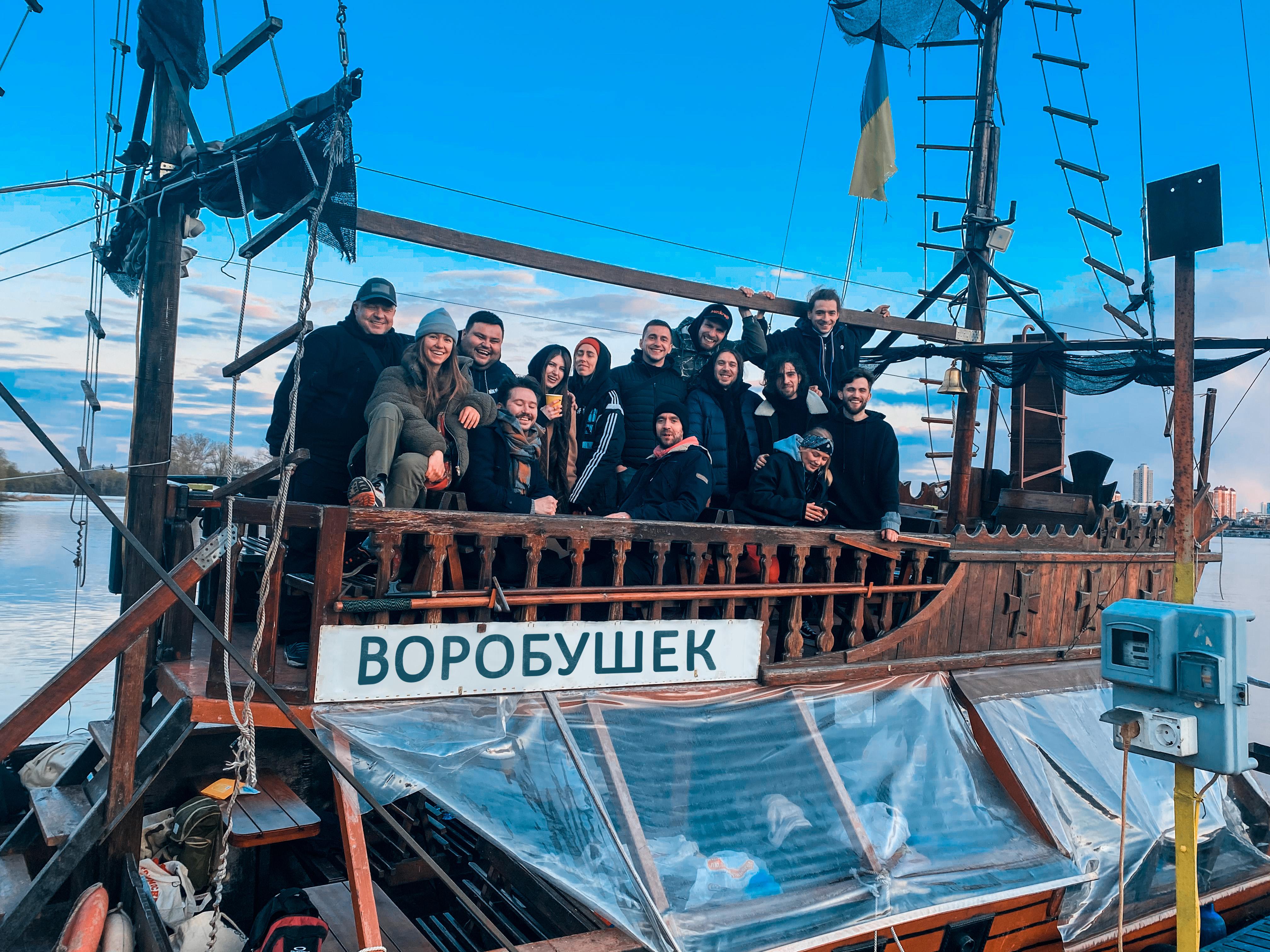 """Выиграли в """"Лиге смеха"""" 800 тыс. грн и купили корабль"""
