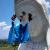 На статую буддийской богини в префектуре Фукусима в Японии надели 35-килограммовую маску (видео)