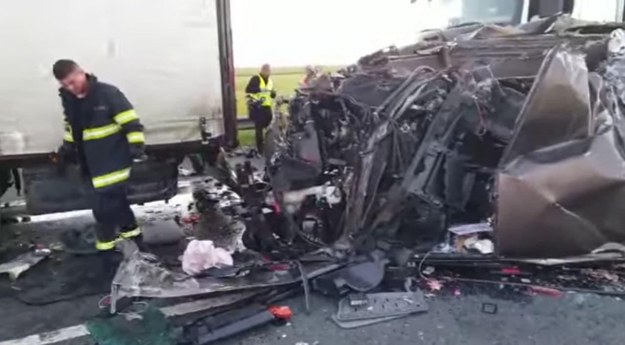 Место в ДТП в Румынии, где пострадали 16 украинцев - фото 2